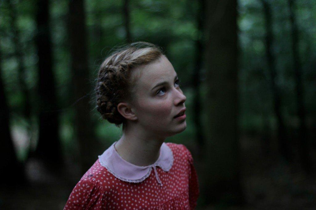 Lore  (Saskia Rosendahl)