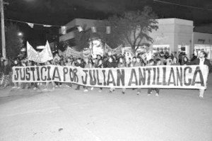 Julian_Antillanca_marcha