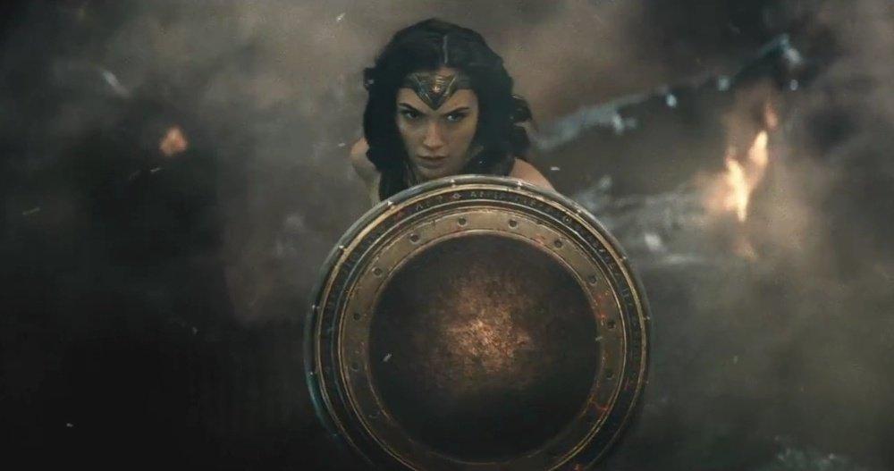 wonder-woman-gal-gadot-vs-doomsday-in-batman-v-sup_a55r